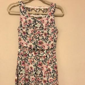 Adorable floral dress with cutouts